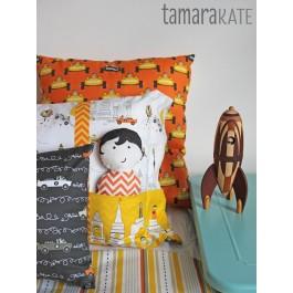 tamara kate les monsieurs pillows